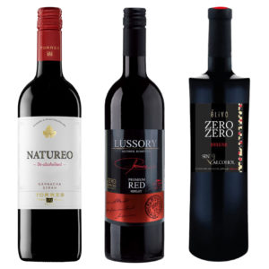 Pack of three alcohol-free red wine bottles