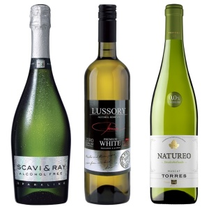 Pack of three alcohol-free white wines bottles