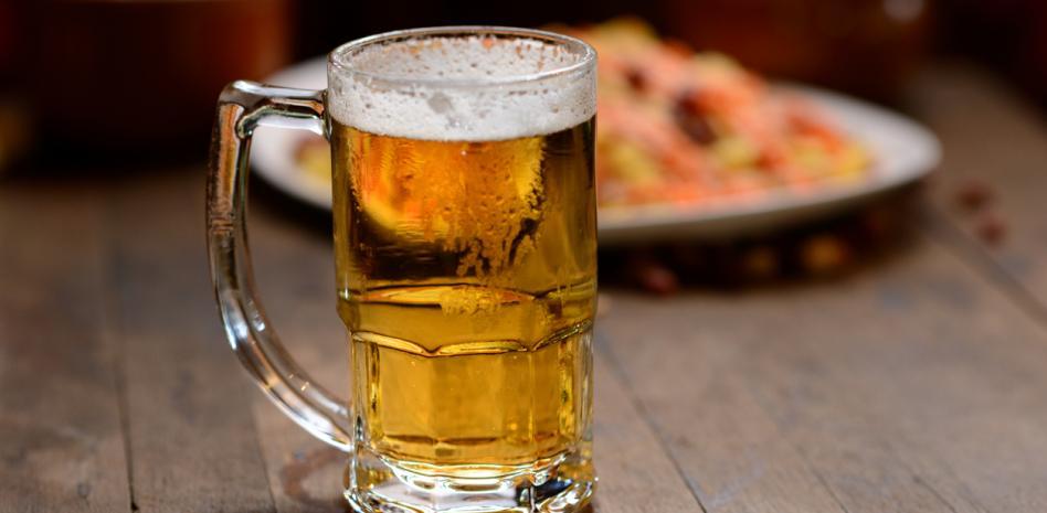 Jarra con cerveza sin alcohol